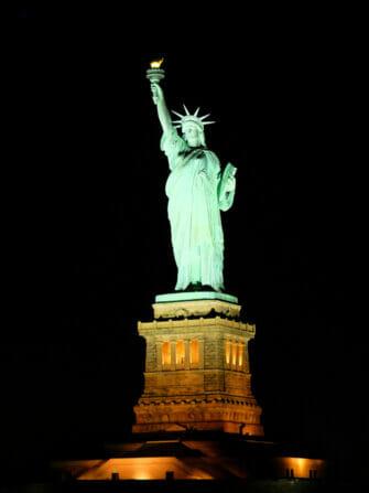 Cruise med middag i New York - Frihetsgudinnen