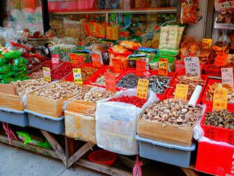 Chinatown i New York - Kinesiske skilt