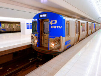 PATH mellom New Jersey og Manhattan - Tog
