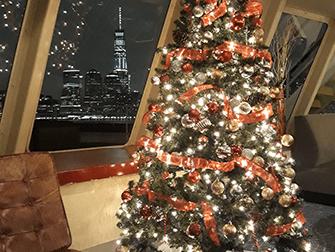 Julaften-cruise med middag i New York - Juletre