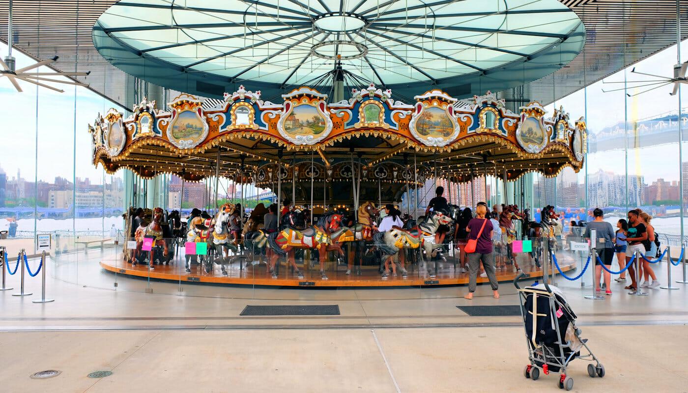 Janes Carousel i Brooklyn - Karusellen
