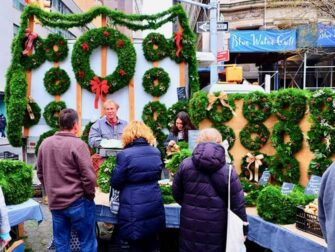 Markeder i New York Markets - Julekranser på Union Square