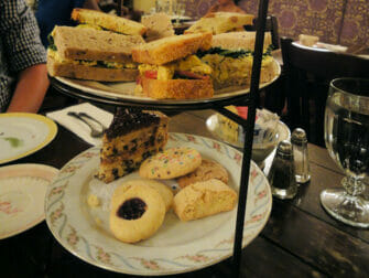Alices Tea Cup i NYC - High Tea