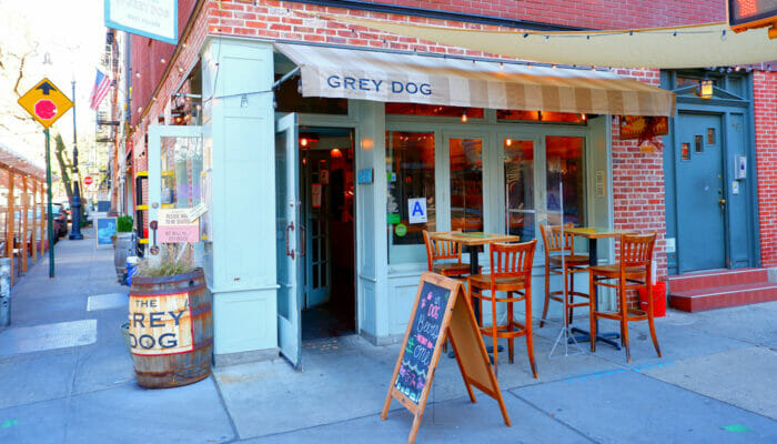De beste stedene for kaffe og bagels i New York - Grey Dog
