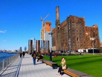Parker i New York - Domino Park