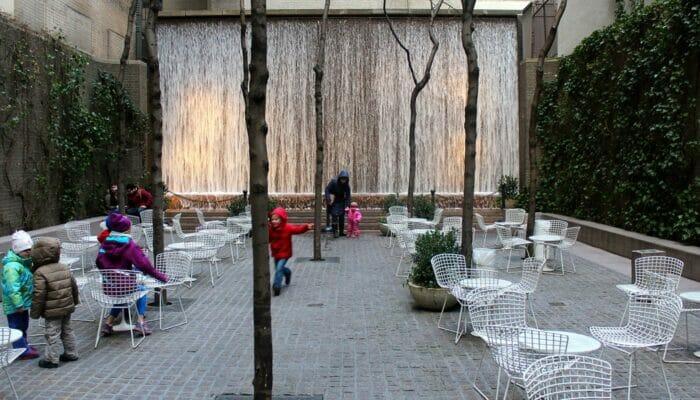 Parker i New York - Paley Park