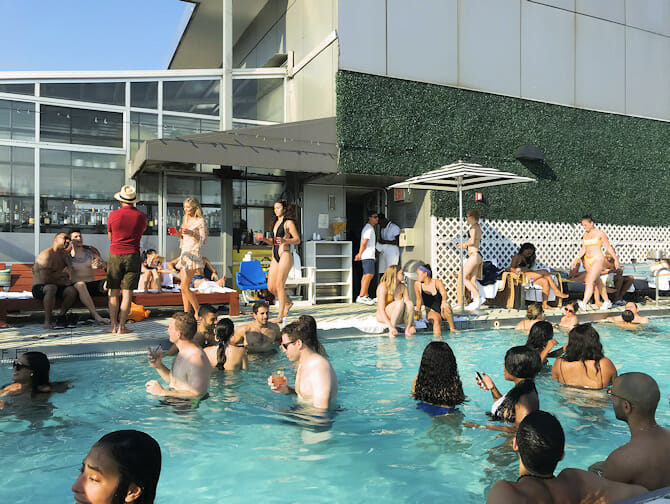De beste rooftop barene i New York - Gansevoort Hotel