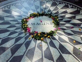 Guidet tur til steder for filminnspilling i Central Park - Strawberry Fields