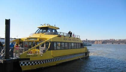 Hop On Hop Off Cruise i New York - Båten