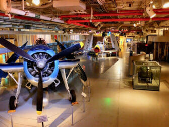 Intrepid Sea, Air and Space Museum i New York - Inni museet