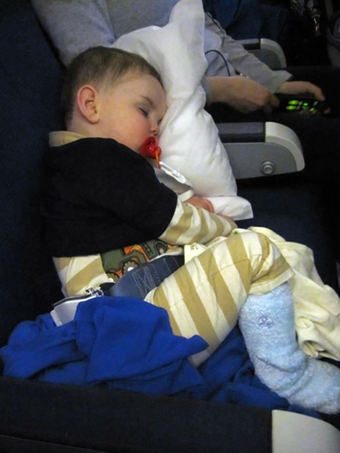 Fly med barn til New York - Barn som sover