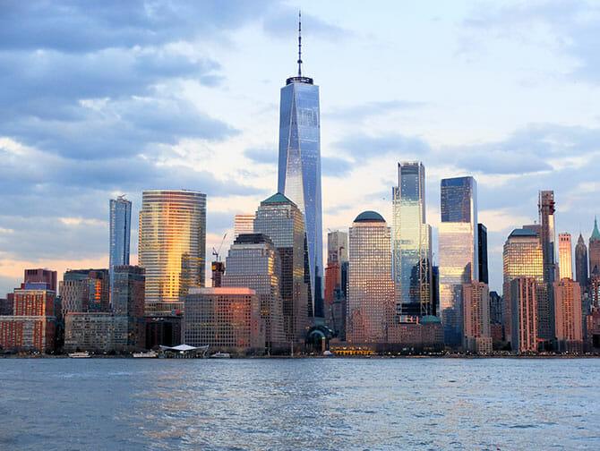 Cruise påkveldstid i New York