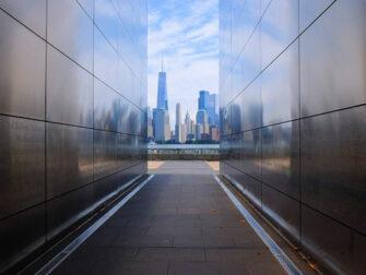 Empty Sky Memorial i New Jersey - Utsikt mot skyline