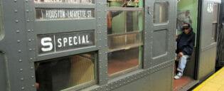 Gammeldagse tunnelbanevogner i New York