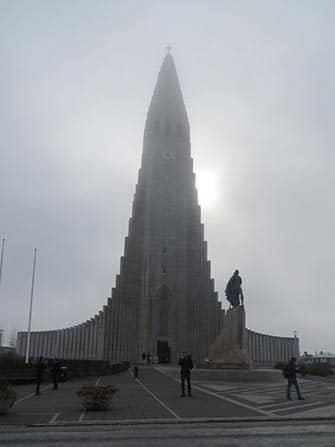 Stop-over på Island på vei til New York - Hallgrimskirkja