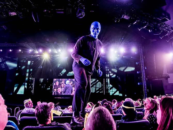 Blue Man Group i New York tickets - Blue Man på stolene