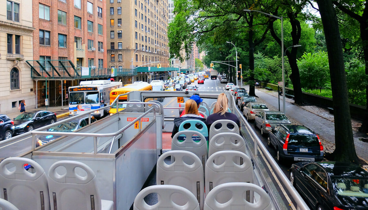 Gray Line Hop On Hop Off Bus i New York - Guide