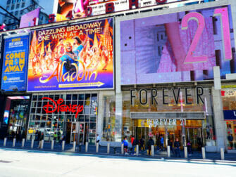 Theater District i New York - Forever21