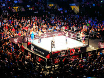 WWE wrestling i New York tickets - Kamp