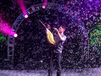Gazillion Bubble Show Broadway Tickets - Familieforestilling