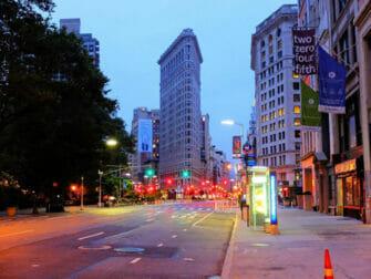 Flatiron Building i New York på kvelden