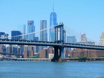 Manhattan Bridge i New York - Skylinen