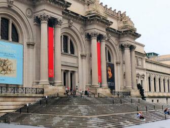 Steder for filminnspilling i New York - Gossip Girl The Met trappene