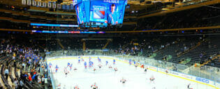 Dra på en New York Rangers-kamp