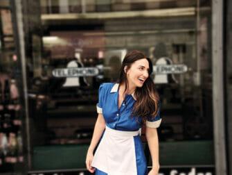 Sara Bareilles Waitress på Broadway Tickets - Utsiden av restauranten