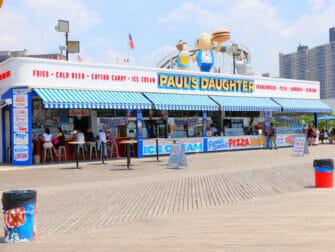 Denos Wonder Denos Wonder Wheel Amusement Park på Coney Island - Snackbar